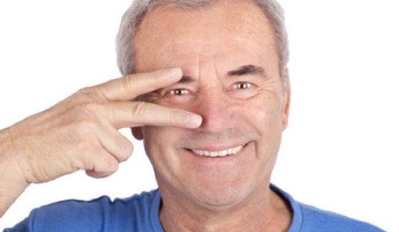 Augenarzt sorgt für Durchblick.